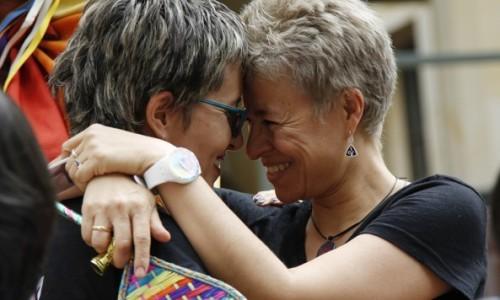 La Colombia dice sì al matrimonio egualitario