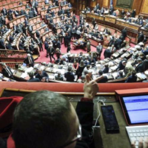 Il Senato approva le unioni civili