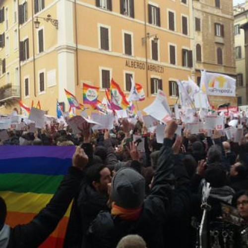 Unioni civili, migliaia in piazza per Svegliati Italia #svegliatItalia